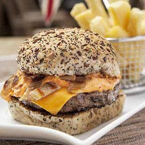 Crumbled Bacon & Cheesemelt Burger