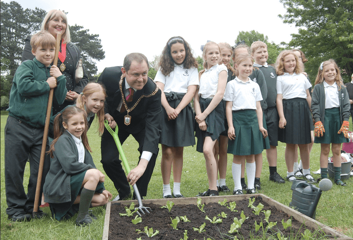 Principals launches new school fruit & veg planting scheme