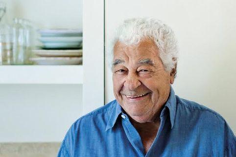 Antonio Carluccio dies aged 80