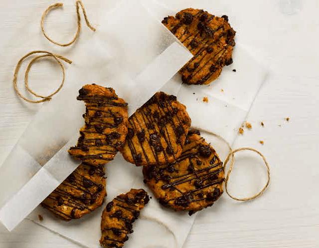 Peanut & Chocolate Cookies